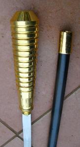 Vycházková hůl s ostrým mečem
