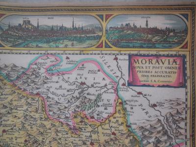 Klaudianová mapa Čech a z druhé strany Komenského mapa Moravy.