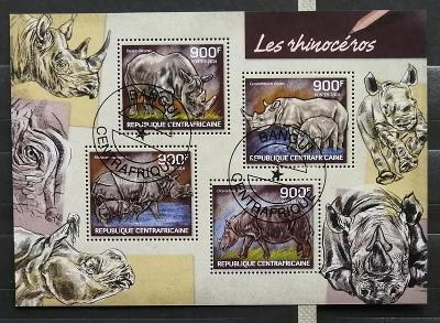 Středoafrická republika 2014 - CTO aršík, Nosorožci a fauna Afriky