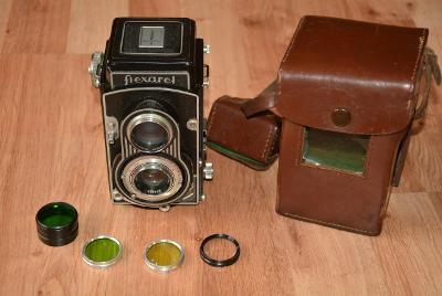 fotoaparát Flexaret Meopta + barevné filtry v pouzdru + kožené pouzdro