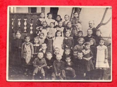 ŠKOLNÍ FOTO 20. - 30. léta