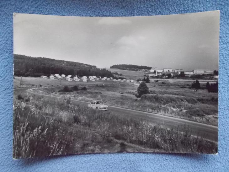Český Krumlov Šumava Lipno kemp u přehrady automobil Moskvič - Pohlednice