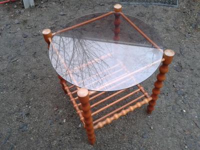 konferenční stolek  dřevomasív 50X50X60cm -viz foto