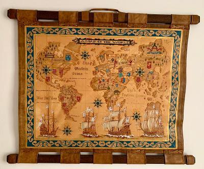 OBRAZ z kůže. ORIGINÁL HANDMADE Mari Hermann. Kožená mapa světa.