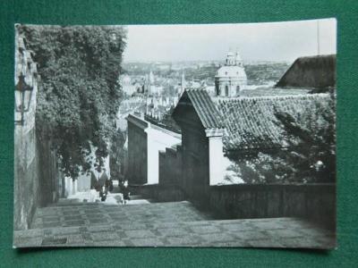 Praha - Pohled z Nových Zámeckých Schodů  (velký formát)