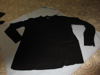 svetr triko černý
