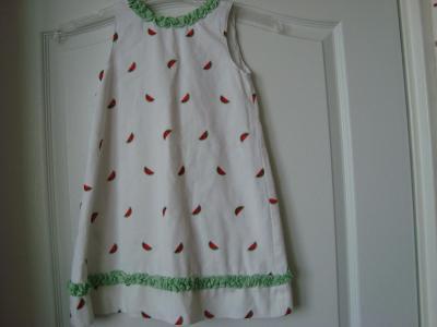 Litlle Bitty málo nosene šaty vel 3-4 let