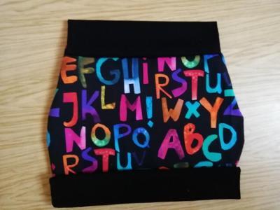 Šitá sukně úplet - barevná písmenka