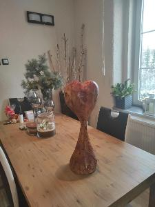 dekorace valentýnské srdce motorovou pilou