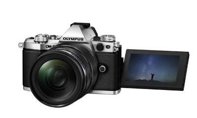 Olympus OM-D E-M5 Mark II + 12-40 PRO  + ZÁRUKA + BONUSY