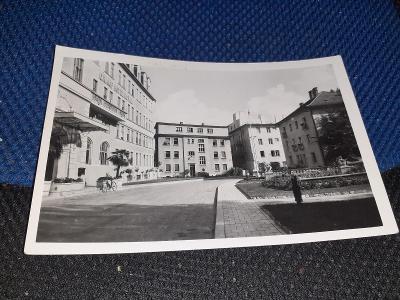 Pohlednice z roku 1952 MF Piešťany  - Vilová štvrť, prošlé poštou.