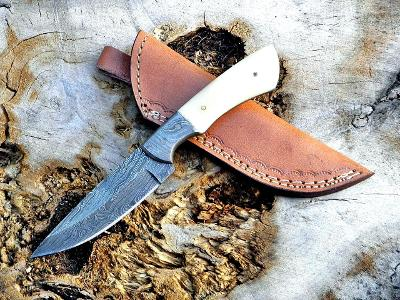 25/ Damaškový lovecky nůž. Rucni vyroba.