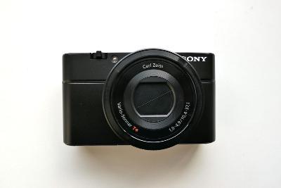 Fotoaparát SONY RX-100 na opravu