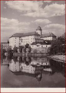 Poděbrady * zámek, pohled od řeky * Nymburk * V895