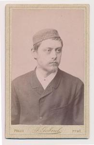 Čechy, člen Ústřední jednoty velocipedistů, kabinetní foto, cca 1887
