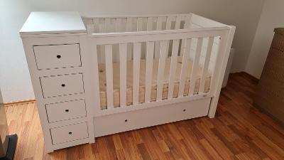 Dětská dřevěná postýlka bílá, včetně dětské přírodní matrace.