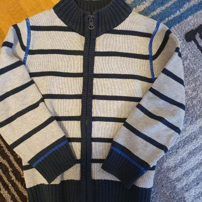 Pletený svetr vel 104