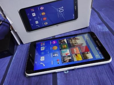 SONY Xperia E4 Funkční Dotykový Telefon + Nabíječka