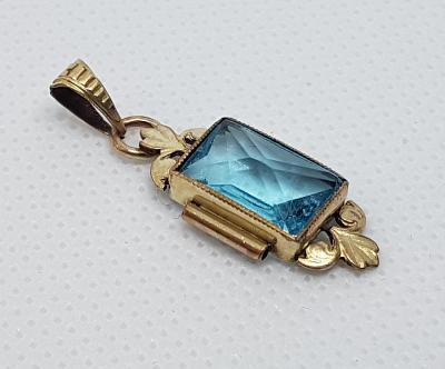 Zlacený přívěšek, modrý kámen
