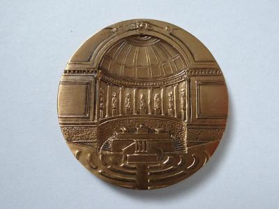 PALAIS DU SENAT, bronzová plaketa, průměr 5 cm.