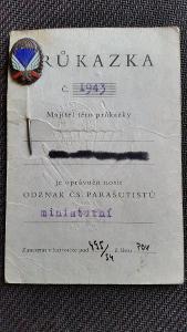 """Výsadkář - originální číslovaný odznak """"PARAPLACKA"""" z 50. let a doklad"""
