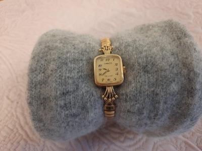 dámské švýcarské hodinky zn. Lanco, starožitné