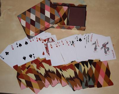žolíkové karty 108ks design v krabičce původně 119,- nové zabaleno!