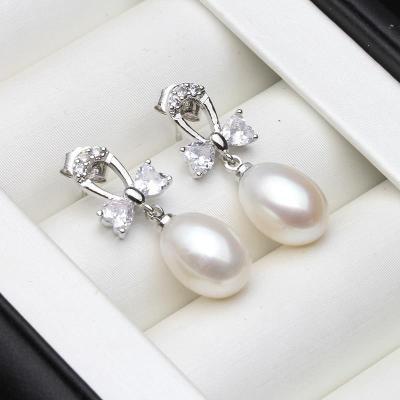 N86 stříbrné náušnice  říční perla