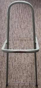Kovový stojan od žehlicího prkna, vysoký 91 cm