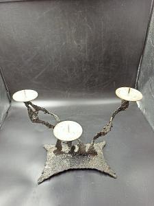 Kovový svícen...(12960)