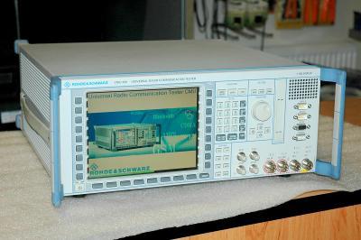 Rohde & Schwarz CMU200, radiokomunikační tester do 2,7GHz