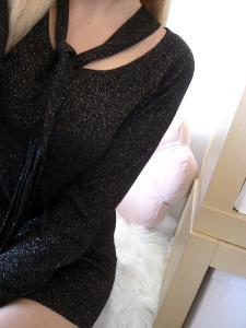 Třpytivý svetřík s vazačkou M