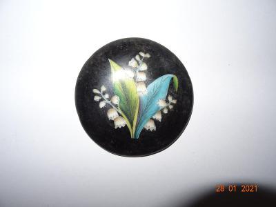 Porcelánové víčko z korbelu-ručně malované