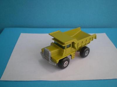MATCHBOX - 28 MACK DUMP TRUCK- ENGLAND