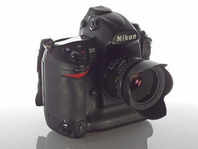 Nikon D3 + AF 50/1.8; plný formát; stav 1A* (5 tis. expozic)