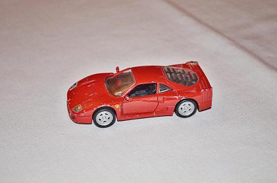 model auta FERRARI 1:43