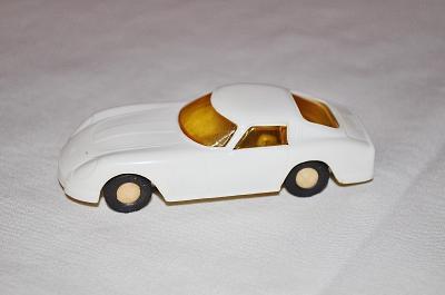 historický model auta FERRARI 1:43