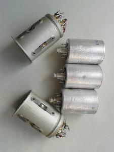 Elektronky 12Ž1L (12Ж1Л) a patice z vysílačky R113