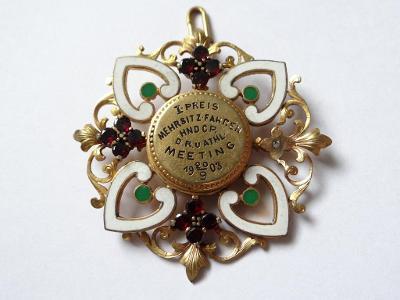 1. cena 1903 - CYKLISTIKA - SMALT, český granát
