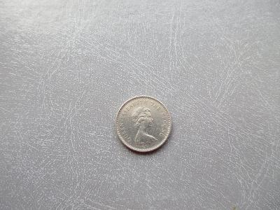 HONG KONG 1 DOLLAR ROK 1979 KRÁLOVNA ELIZABETH II.