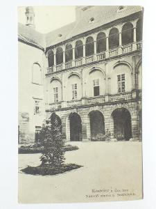 Kostelec nad Černými Lesy, Praha - Nádvoří zámku 1927
