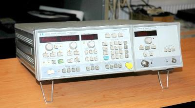 Hewlett Packard 8350B/ 83592A, rozmítaný generátor, 10 MHz - 20GHz