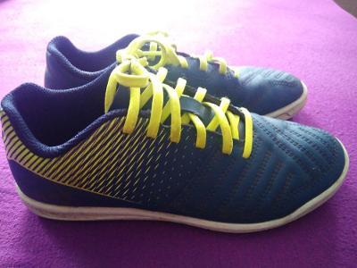 sportovní sálové boty vel. 33