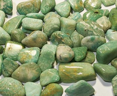 Hrst amazonitu B M, velké kameny, cca 45g