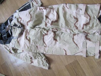 U.S. Army chemický oblek