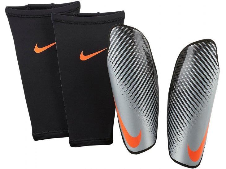 Chrániče Nike protegga carbonite vel. L - Kolektivní sporty