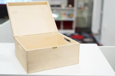 Velká dřevěná etue na různé předměty - 33 x 36,5 x 19 cm. Nová.