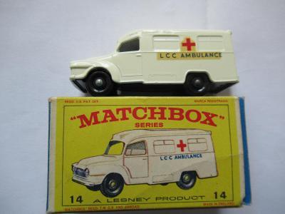 Matchbox No 14 Lomas ambulance
