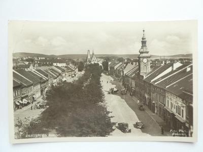 Rakovník - Náměstí - auta - Foto Vácha 1933