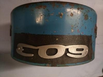 Tatra 603 část vzduchového filtru